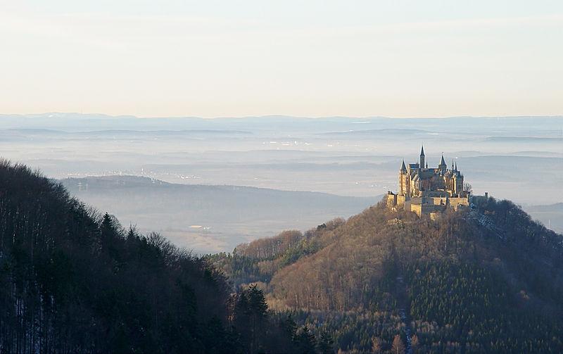 kastil Hohenzollern 2 oleh segiempat